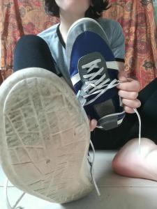 Fétichiste des chaussures odorantes ? C'est pour toi !