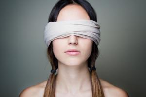 Vous fantasmez d'avoir les yeux bandés